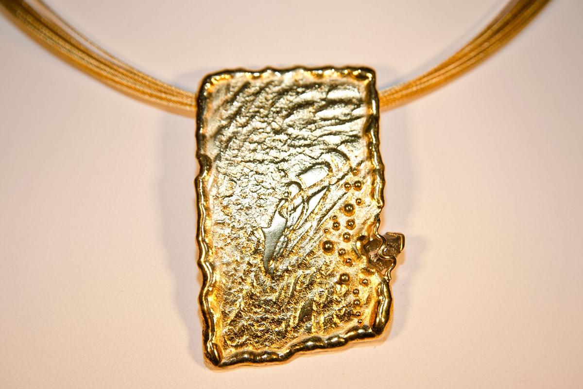 Gelbgold mit Rohdiamant