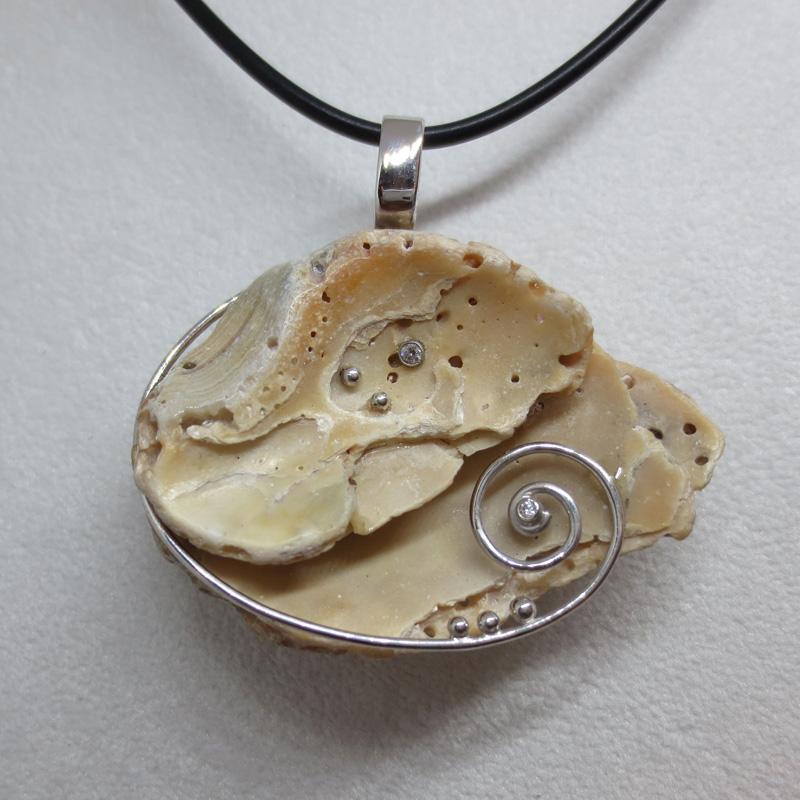 Muschelfundstück mit Silber und Zirkonia-02